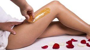 body sugaring op bovenbeen geplaatst